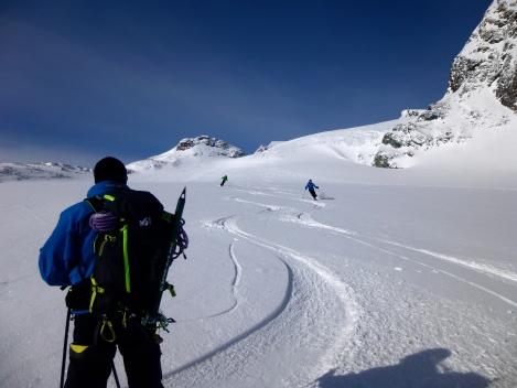 Smooth turns down the Haute Glacier d'Arolla