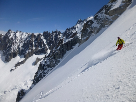 Eric enjoying some powder at the top of La Noire NNW face.