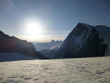 sunrise from below the Serpentine with the Pigne d'Arolla in the foreground and the Matterhorn in the distance