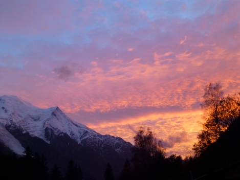 The sun goes down in a blaze in Chamonix