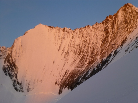 sun rising on faces of Lenzspitze and Nadelhorn