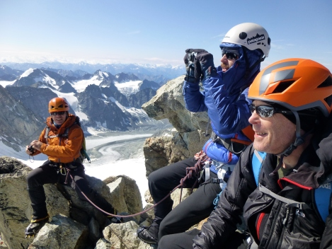 smiles and photos on the summit of Mont Blanc de Cheillon